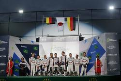 Podyum: Yarış galibi Sébastien Buemi, Anthony Davidson, Kazuki Nakajima, Toyota Gazoo Racing, 2. Tim