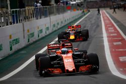 Fernando Alonso, McLaren MCL32, Max Verstappen, Red Bull Racing RB13, out of the pits