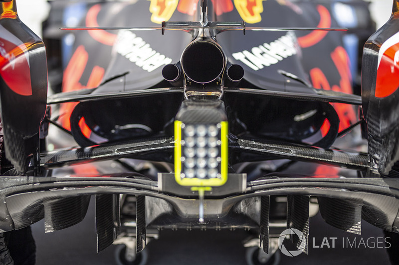Detalle del escape del Red Bull Racing RB14
