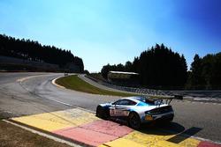 #75 Optimum Motorsport Aston Martin V12 Vantage GT3: Flick Haigh, Jonny Adam