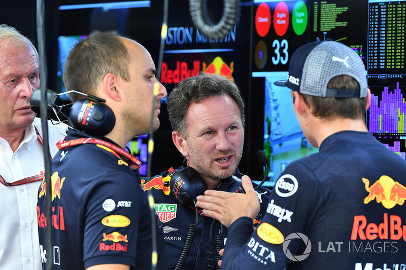 Gianpiero Lambiase, ingeniero de Red Bull Racing, Christian Horner, Red Bull Racing Team Principal y Max Verstappen, Red Bull Racing
