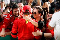 Kimi Raikkonen, Ferrari celebrates with family and team in Parc Ferme