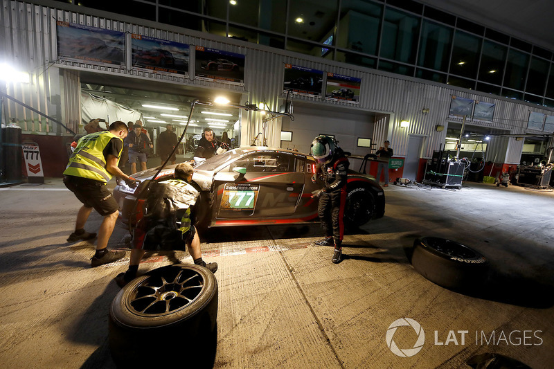 Pit stop, #777 MS7 by WRT Audi R8 LMS: Mohammed Bin Saud Al Saud, Michael Vergers, Dries Vanthoor, Christopher Mies
