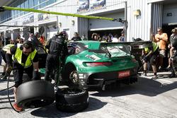 Pitstop, #2 Black Falcon Mercedes-AMG GT3: Abdulaziz Al Faisal, Hubert Haupt, Yelmer Buurman, Gabrie