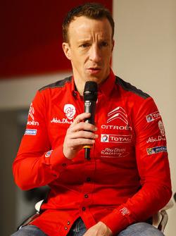 Kris Meeke, Citroen parle à Henry Hope-Frost sur la scène Autosport
