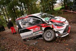 Разбитая Toyota Yaris WRC Юхо Хяннинена и Кая Линдстрёма, Toyota Gazoo Racing WRC