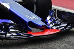 Scuderia Toro Rosso STR13 nose detail