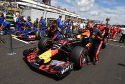 Max Verstappen, Red Bull Racing RB14 sur la grille