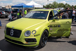 Автомобиль Bentley Bentayga (№8)