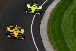 Helio Castroneves, Team Penske Chevrolet, Simon Pagenaud, Team Penske Chevrolet