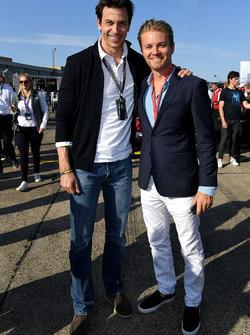 Lucas di Grassi, Audi Sport ABT Schaeffler, 2e. David Coulthard, présentateur TV, avec Toto Wolff, directeur exécutif, Mercedes AMG