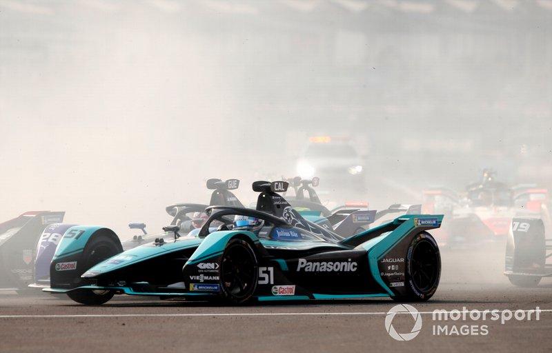 James Calado, Jaguar Racing, Jaguar I-Type 4 battles with Maximilian Günther, BMW I Andretti Motorsports, BMW iFE.20