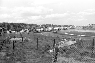 Crash: Nelson Piquet, Brabham BT49, Jochen Mass, Arrows A3