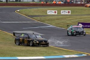 Anton De Pasquale, Will Brown, Erebus Motorsport Holden run wide