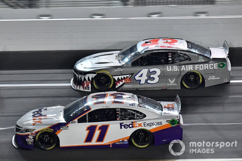 Denny Hamlin, Joe Gibbs Racing, Toyota Camry FedEx Express and Darrell Wallace Jr., Richard Petty Motorsports, Chevrolet Camaro United States Air Force