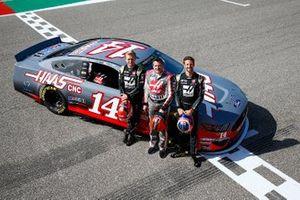 Kevin Magnussen, Haas F1 Team Team, NASCAR legend Tony Stewart and Romain Grosjean, Haas F1 Team