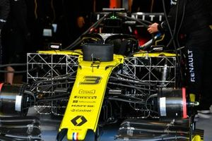 Sensors being fitted to the car of Daniel Ricciardo, Renault F1 Team R.S.19