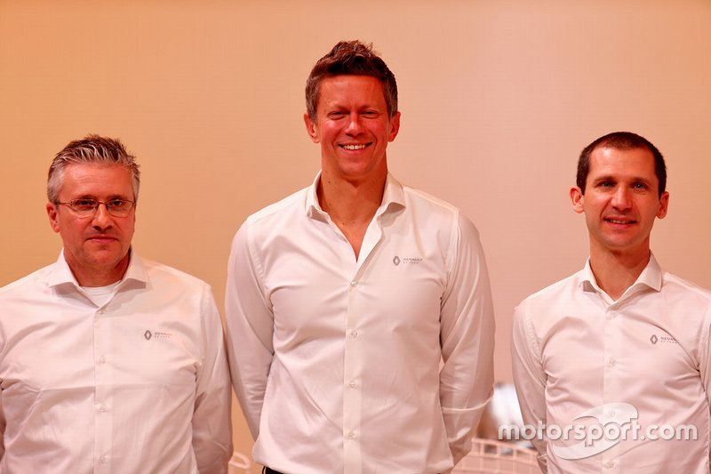 Pat Fry, Renault F1 Team Technical Director (Chassis), Marcin Budkowski, Renault F1 Team Executive Director; Remi Taffin, Renault Sport F1 Engine Technical Director