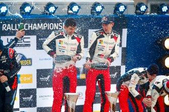Podio: il vincitore Elfyn Evans, Scott Martin, Toyota Gazoo Racing WRT Toyota Yaris WRC