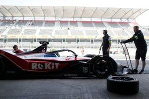 Felipe Massa, Venturi, EQ Silver Arrow 01 nella pit lane