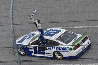 Ganador Ryan Blaney, Team Penske, Ford Mustang