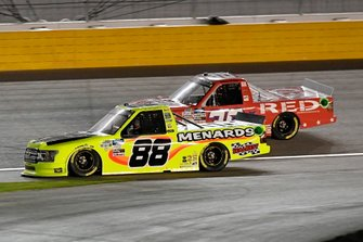 Matt Crafton, ThorSport Racing, Ford F-150 Damp Rid / Menards, \Brennan Poole, On Point Motorsports, Toyota Tundra RememberEveryoneDepoloyed.org