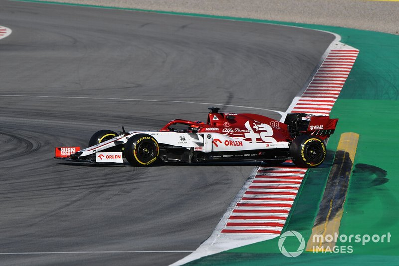 Robert Kubica, Alfa Romeo Racing C39, en tête-à-queue