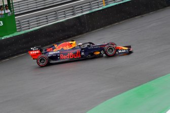 Max Verstappen, Red Bull Racing RB15 na spin