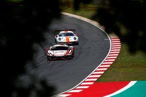 #22 Rinaldi Racing Ferrari 488 GT3: Leonard Weiss, Jochen Krumbach, David Perel, #20 GPX Racing Porsche 911 GT3 R: Richard Lietz, Michael Christensen, Kevin Estre