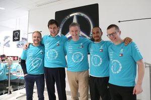 Valtteri Bottas, Toto Wolff, James Allison, Lewis Hamilton, Andy Cowell, Mercedes AMG F1