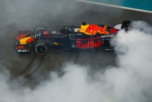 Max Verstappen, Red Bull Racing RB15, 2nd position, performs a donut