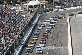 Denny Hamlin, Joe Gibbs Racing, Toyota Camry FedEx Freight, Aric Almirola, Stewart-Haas Racing, Ford Mustang Smithfield