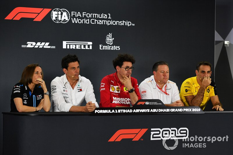 Claire Williams, Deputy Team Principal, Williams Racing, Toto Wolff, Executive Director (Business), Mercedes AMG, Mattia Binotto, Team Principal Ferrari, Zak Brown, Executive Director, McLaren, e Cyril Abiteboul, Managing Director, Renault F1 Team
