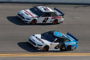 Ryan Newman, Roush Fenway Racing, Ford Mustang Koch Industries Brad Keselowski, Team Penske, Ford Mustang Discount Tire