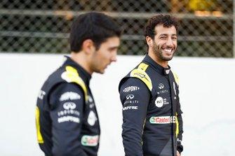 Daniel Ricciardo, Renault F1 and Esteban Ocon, Renault F1