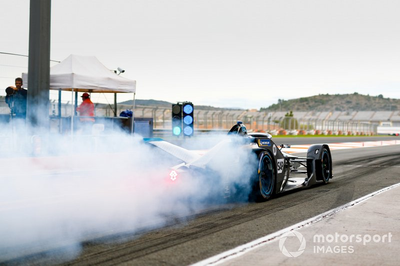 Stoffel Vandoorne, Mercedes Benz EQ Formula, EQ Silver Arrow 01, doing a burn out