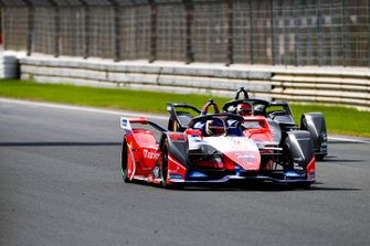 Pascal Wehrlein, Mahindra Racing, M6Electro, Sébastien Buemi, Nissan e.Dams, Nissan IMO2