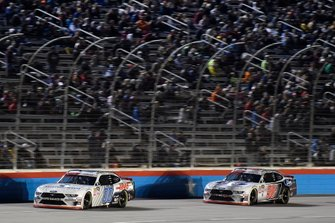 Cole Custer, Stewart-Haas Racing, Ford Mustang Thompson Pipe Group, Chase Briscoe, Biagi-DenBeste Racing, Ford Mustang Ford Performance
