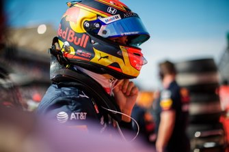 Alexander Albon, Red Bull Racing, on the grid
