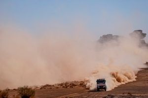 Паскаль де Бар, Ян ван дер Ват и Стефан Слотьес, Riwald Dakar Team, Renault K520 (№514)