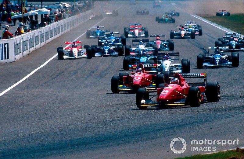 Start zum GP Deutschland 1994 in Hockenheim: Gerhard Berger, Ferrari 412T1B, führt