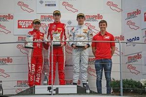Podio Rookie: Frederik Vesti, Prema Powerteam, Enzo Fittipaldi, Prema Powerteam, Matteo Nannini, Corbetta Racing
