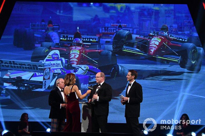 El príncipe Alberto de Mónaco recibe el Premio Gregor Grant para el GP de Mónaco