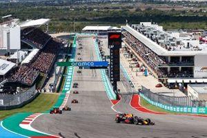 Sergio Perez, Red Bull Racing RB16B, Charles Leclerc, Ferrari SF21, Daniel Ricciardo, McLaren MCL35M, and Carlos Sainz Jr., Ferrari SF21