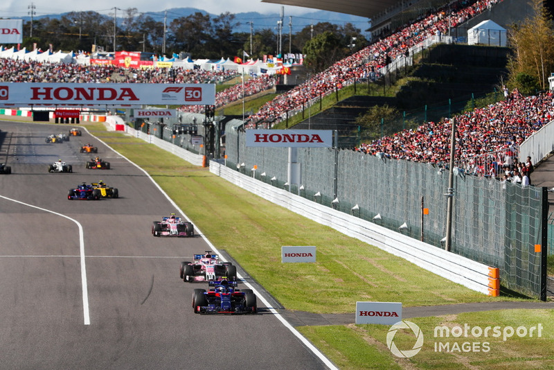 Pierre Gasly, Scuderia Toro Rosso STR13, devance Sergio Perez, Racing Point Force India VJM11, Esteban Ocon, Racing Point Force India VJM11, Carlos Sainz Jr., Renault Sport F1 Team R.S. 18, y Brendon Hartley, Toro Rosso STR13