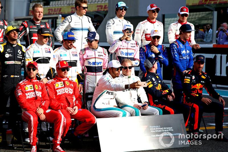 Foto de grupo de pilotos clase 2018