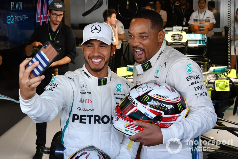 Lewis Hamilton, Mercedes AMG F1 selfie with Will Smith