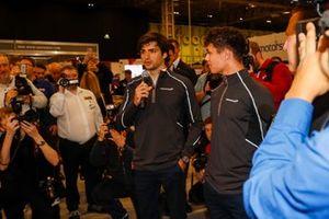 Zak Brown, Lando Norris y Carlos Sainz Jr. abren el show el sábado