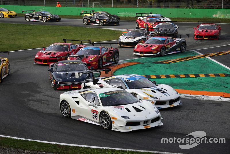 #549 Ferrari 488 Continental Cars NZ: David Dicker e #323 Ferrari 488, Ferrari of Long Island: John Megrue