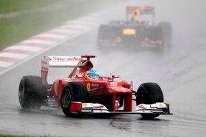 Fernando Alonso, Ferrari F2012, devant Sebastian Vettel, Red Bull RB8 Renault